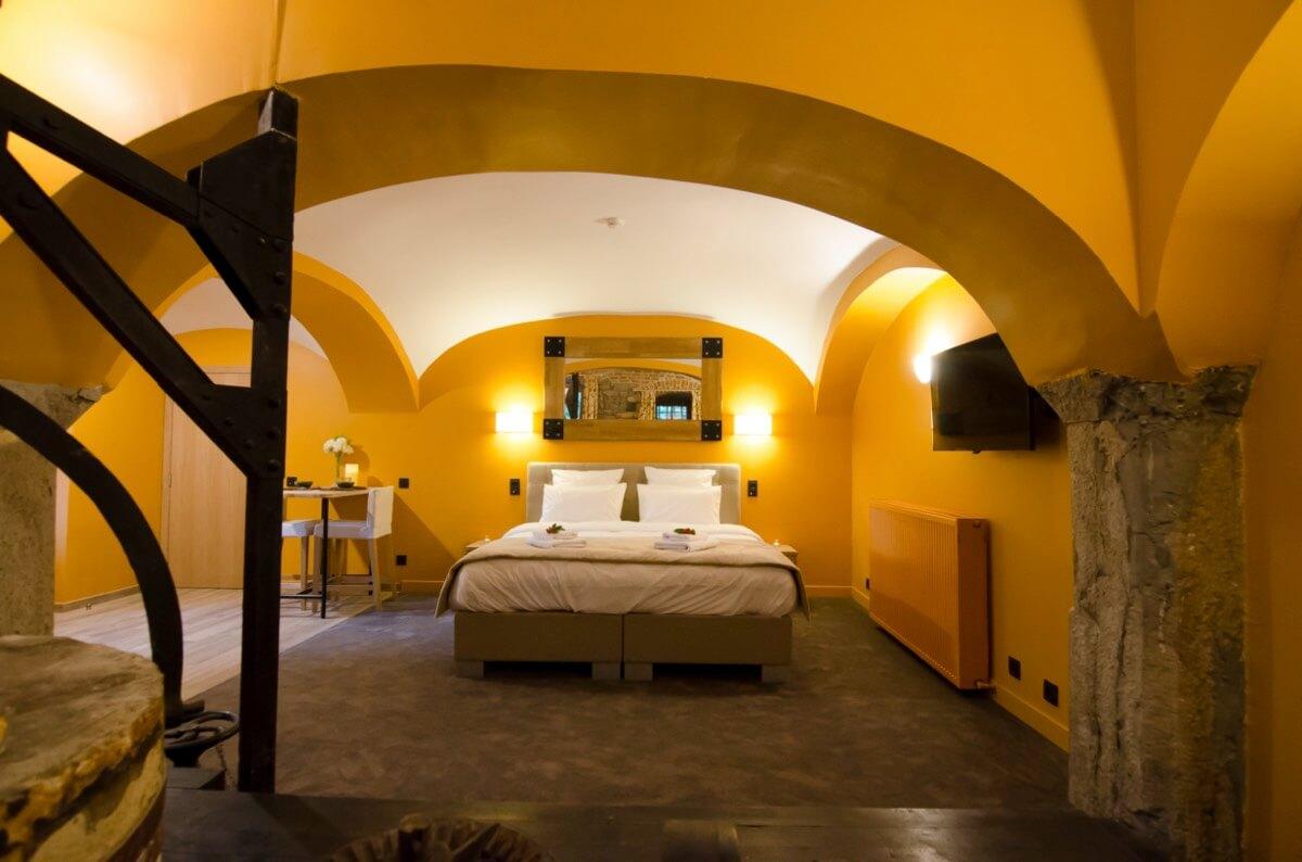 Les petits pains chauds - Hôtel insolite - River Lodge - Maredsous