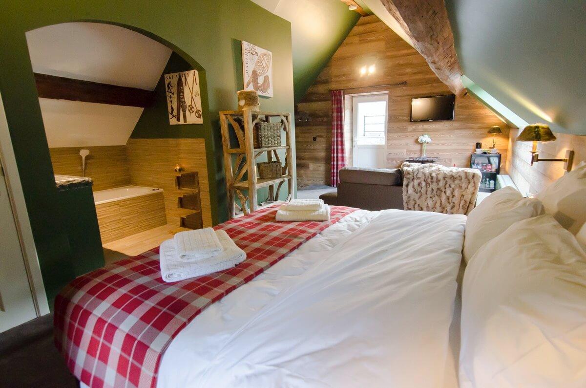 Au cœur des montagnes - Hôtel insolite - River Lodge - Maredsous