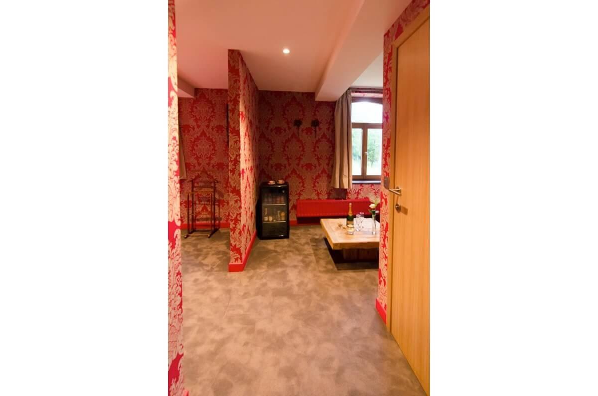 Au temps du Roi Soleil - Hôtel insolite - River Lodge - Maredsous